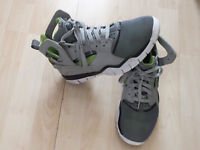 Nike Air Huarache Basketball 2012 Wolf Grey–Action Green Men's Sneakers Size 7