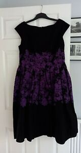 LAURA ASHLEY BLACK PURPLE FLORAL DRESS SIZE 16 KNEE LENGTH FIT & FLARE