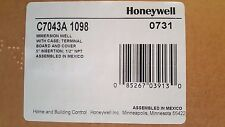 """Honeywell C7043A 1098 Immersion Well With Case - 5"""" Insertion, 1/2"""" NPT"""