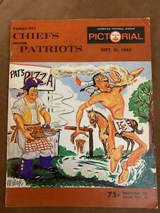 """1969 K.C.CHIEFS v PATRIOTS football program/Fab """"PHIL BISSELL""""""""hot pizza""""cover!!"""