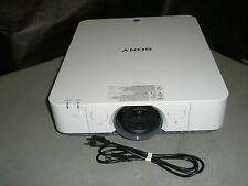 SONY VPL-FX30 LCD PROJECTOR, 4200 LUMENS!! WORKS GREAT!! CLEAR IMAGE!!
