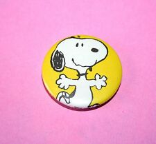 SNOOPY PEANUTS DOG VINTAGE STYLE BUTTON PIN BADGES