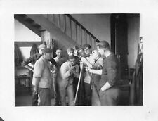 Orig. Foto Deutsche Soldaten Waffen prüfen Lehrgang Feldwerkstatt Vitré 1940