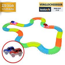 Kinderspielzeug Rennbahn mit 2 LED Rennwagen sowie 220 Schienen von YourMate®