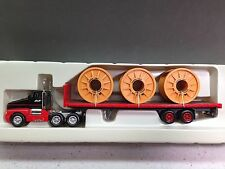 HO 1/87 Model Power 19002 KW T-600 Tandem Axle Day Cab w/40' Trailer Spool Load