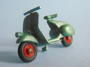 Classic metallic green with red hubs Benbros Mighty Midgets 15 Vespa Scooter
