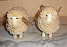 lot de 2 moutons en bois et laine ??  (je pense).SANTON.ideal pour CRECHE.NOEL.