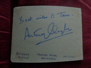 ANTHONY QUAYLE    -  ACTOR -  AUTOGRAPH  - 1970