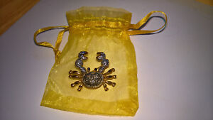 DIAMONTE CRAB FASHION BROOCH NEW WITH ORGANZA GIFT BAG (UK SELLER)