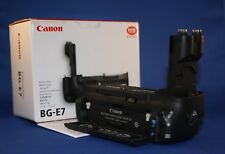 Retail boxed Canon BG-E7 battery grip with BGM-E6 cartridge for AA batteries.