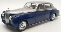 Minichamps 1/18 Scale Diecast 100 139954 - 1960 Bentley S2 - Silver/Blue