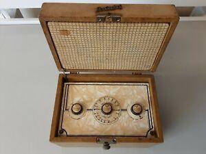 Vintage 1950's Ever Ready Skycasket Radio Needs Repairs