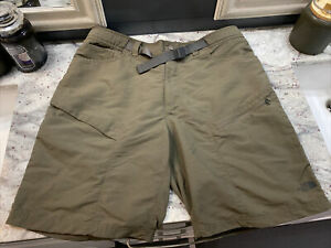 NWOT THE NORTH FACE BELTED NYLON CARGO OUTDOOR HIKING SHORTS MEN'S SIZE XL GREEN