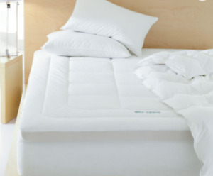 """Carpenter ISO COOL 3"""" Mattress Topper with Outlast Cover"""