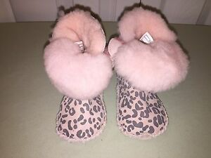USED UGG BOOTS TODDLER SZ 2 / 3 PINK CHEETAH PRINT VERY CUTE