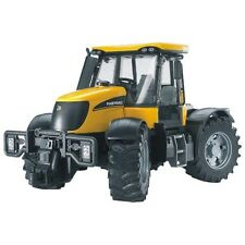 Bruder JCB Fasttrac 3220 Traktor gelb 3030
