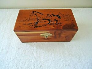 Vintage Luray Caverns Virginia Horses Themed Wooden Cedar Hinged Trinket Box