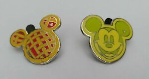 Disney Hidden Mickey Mouse Pin Badges 2008 Set of Two - Pre-owned