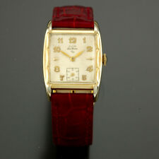 Elgin Deluxe Model 17 Grade 555 17 Jewel Scalloped Edge Gold Filled Case Watch