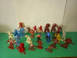 MARX, HERALD, CHERILEA, OTHERS, COWBOYS AND INDIANS, x28, PLASTIC TOY SOLDIERS