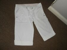 ladies size 14 white cropped summer trousers