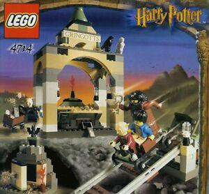 LEGO HARRY POTTER GRINGOTTS BANK 4714 ALL 4 FIGURES RARE 100% COMPLETE GUARANTEE