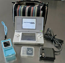 Nintendo DS Lite Handheld System White + Charger + Stylus + SoftCase + R4 card