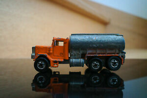 Hot Wheels - Peterbilt Tank Truck