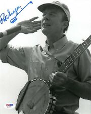 PETE SEEGER SIGNED AUTOGRAPHED 8x10 PHOTO + BANJO SKETCH VERY RARE PSA/DNA
