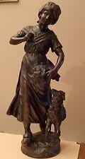 SCULPTURE LA BERGERE et L'AGNEAU en REGULE de MOREAU, hauteur 45 cm