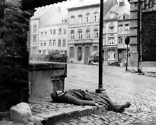 "Dead German Soldier killed during Battle of the Bulge 8""x 10"" WWII Photo 376"