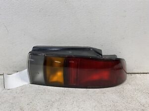 1991-1992 Geo Storm hatchback right passenger taillight tail light lamp FLAWS oe