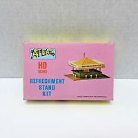 1962 Atlas HO Scale Refreshment Stand Unassembled Kit Building #715 Plastic