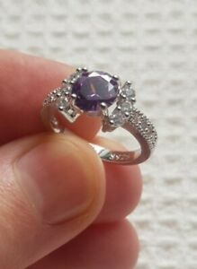 Womans Size M 1/2. Amethyst & White Topaz Silver Ring