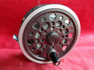 A VERY GOOD VINTAGE J W YOUNG 1540 SALMON FLY REEL + LINE
