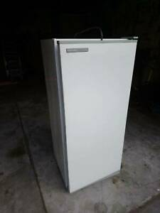 Freezer upright Fisher & Paykel 160 litre