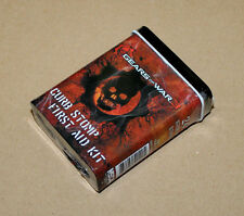 Gears of War 3 Curb Stomp First Aid Kit Metal Box mit PLASTER Pflaster Neca