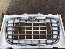 Chrysler 300C Front Chrome Grill 2004 - 2010 BRAND NEW GENUINE CHRYSLER