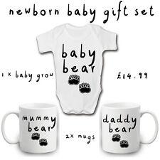 Set Regalo Neonato | Mummy Daddy ORSETTA Set 2 Tazze | | 1 Babygrow | 3 oggetto