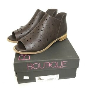 NIB Women's BOUTIQUE BY CORKYS Norwich Chocolate Peep Toe Ankle Bootie Size 7