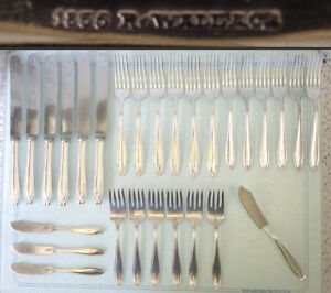 1835 R.Wallace Silver Plate HOSTESS Flatware for 6 place settings 46-pieces MONO