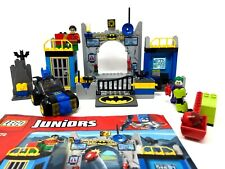 Lego Juniors 10672 Batman Defend the Batcave Joker Robin Minifigures Batmobile