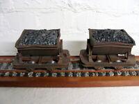 "LGB Spur G - Set (2x) Güterwagen/Kipplore mit Ladung ""Indoor Betrieb"" - TOP!"