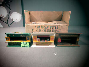 AMERICAN FLYER S SCALE 271 WHISTLE STOP SET. THE A.C. GILBERT CO . O.B.