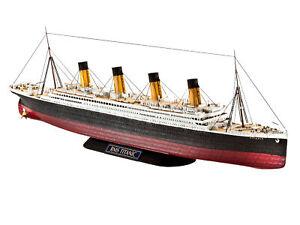 1:700 RMS Titanic Olympic Class Ocean Liner Ship Revell Model
