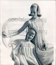 1964 Press Photo Mother & Daughter Model Matching Checkered Gingham MC Schrank