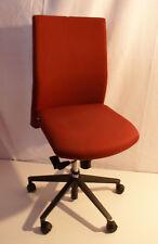 Viasit Bürostuhl, gebraucht, guter Drehstuhl, Schreibtischstuhl mit rotem Bezug.