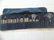 32 Piece bamboo Make Up Brush Set and Cosmetic Brush Case