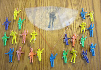 "12 NEW ARMY PARACHUTE MEN 2.25"" PARATROOPERS TOY SOLDIERS PARTY FAVORS"