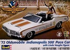 Revell Monogram 1:25'72 Oldsmobile Indianapolis 500 Pace Voiture & Figure Model Kit